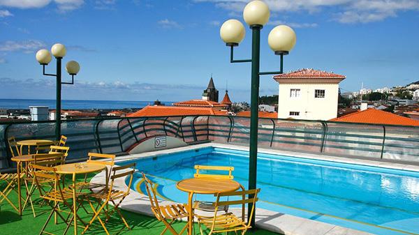 Pool på Hotel Windsor Funchal