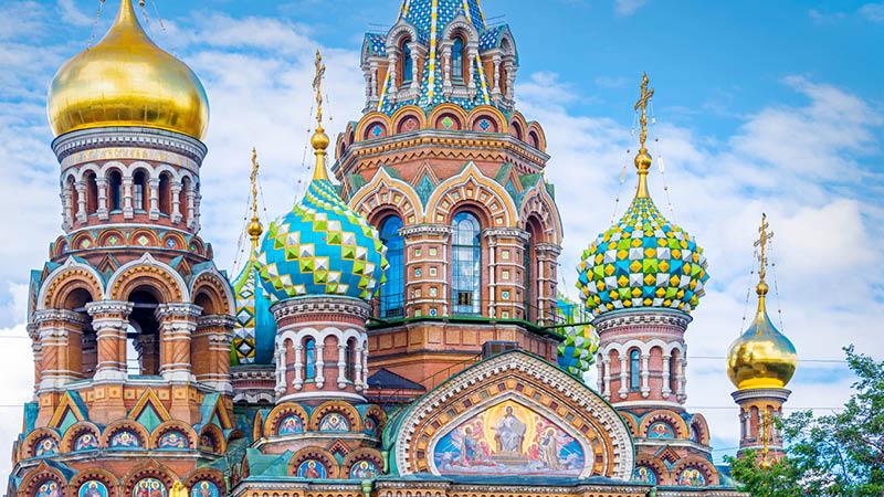 Se den enest�ende Church of the Savior on Blood i Sankt Petersborg